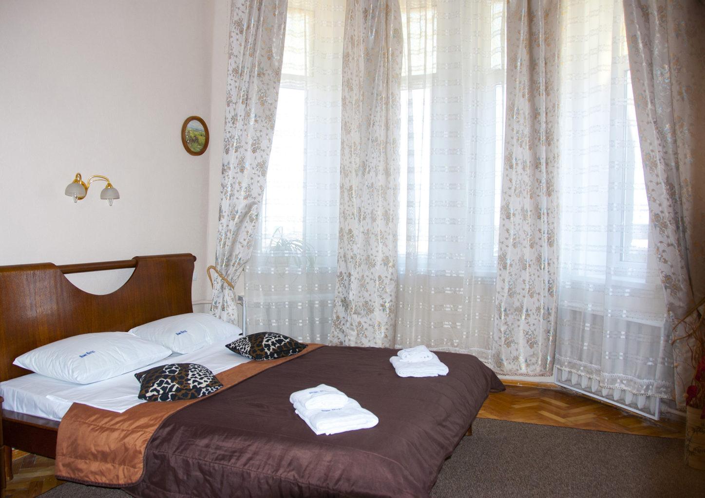 Двухкомнатная квартира посуточно Золотые Ворота Киев