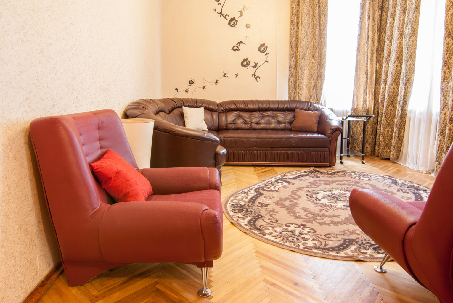 Apartment for shore time rent in Kiev Mikhailovskaya 24